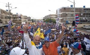 Capriles hizo un llamado a votar por Julio Montoya para detener las mafias en San Francisco